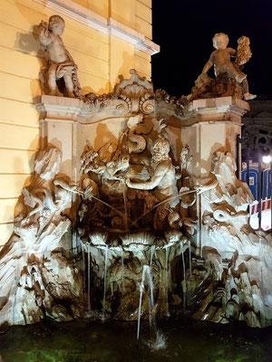 Brunnenanlage am Grand Hotel Taschenbergpalais