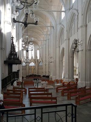 Dom St. Nikolai 1457 geweiht, Taufkirche des Malers Caspar David Friedrich, Innenansicht Richtung Chor