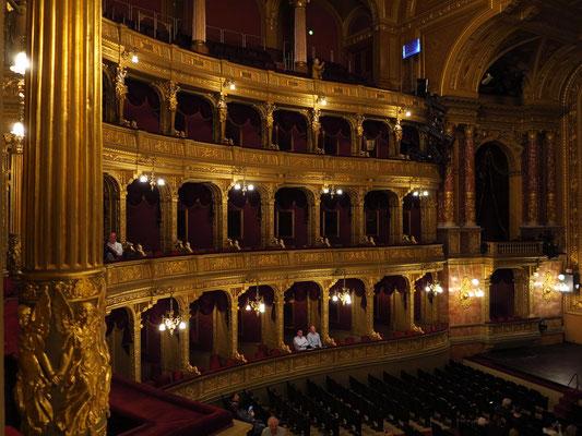 Ungarische Staatsoper, Blick vom Rang in den Zuschauerraum