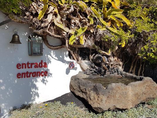 Eingang zum Wohngebäude