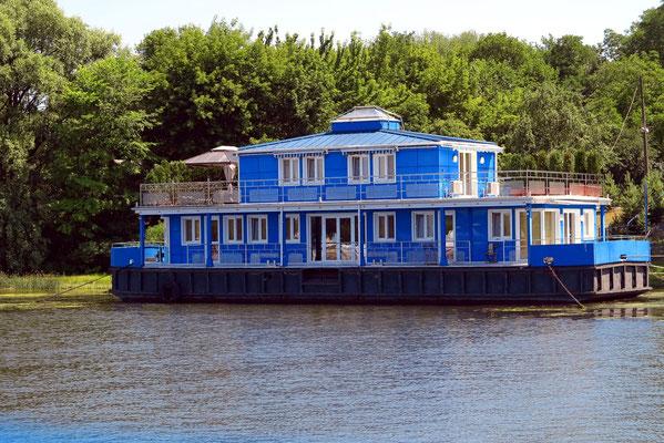Hausboot auf dem Dnepr