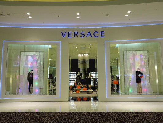 Versace, Ground, K2