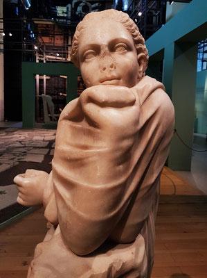 Statue der Muse Polymnia