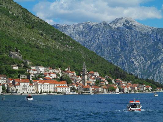 Überfahrt mit dem Boot von Gospa od Škrpjela nach Perast