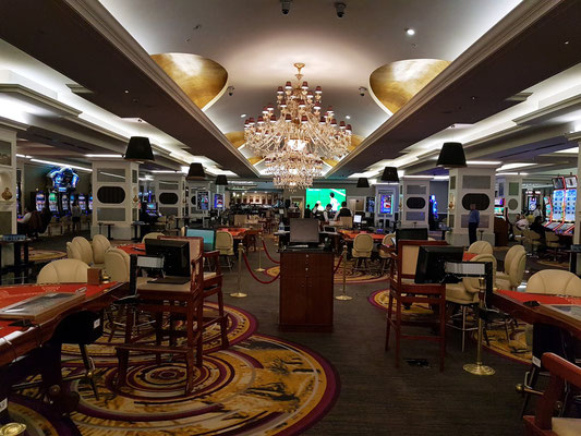 Casino im Untergeschoss des Artemis-Hotels