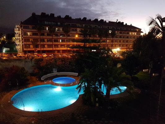 Abendliche Beleuchtung von unserem Balkon aus gesehen