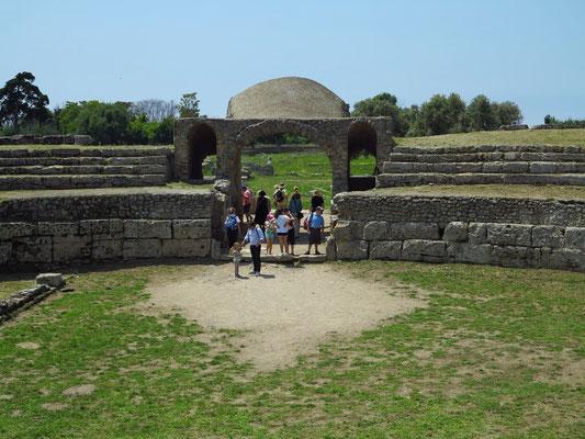 Paestum, Amphitheater