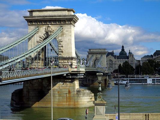 Pfeiler der Kettenbrücke