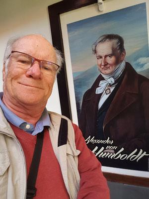 Vor dem berühmten Alexander von Humboldt, dem Begründer der modernen Geographie, verneige ich mich und bin froh, in seiner Unterkunft von 1799 (heute Hotel Marquesa) in Puerto de la Cruz/Teneriffa gewohnt zu haben.