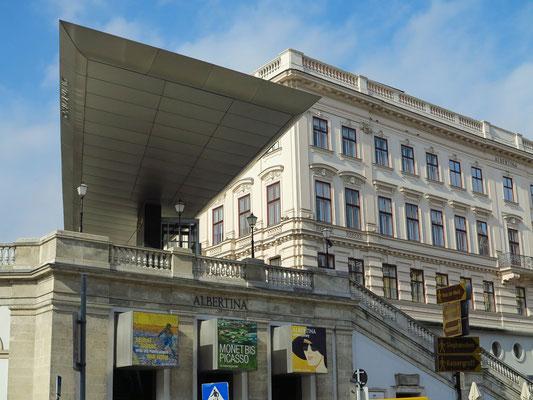 Das Kunstmuseum ist im Palais Erzherzog Albrecht untergebracht. Neugestaltung des Entreés durch Hans Hollein