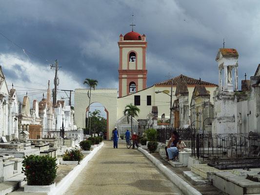 Camagüey, Santo Cristo del Buen Viaje mit Friedhof