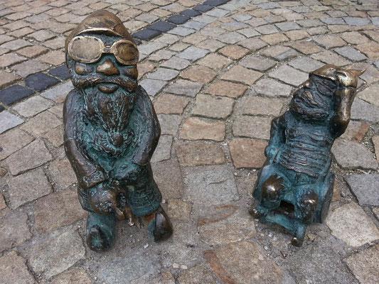 An allen Ecken und Enden der Altstadt findet man diese Zwerge, eine Attraktion der besonderen Art. Es sollen mittlerweile über 300 sein.