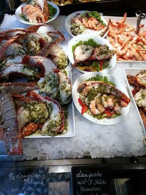 Angebot an Langusten und Garnelen im Nordsee-Fast-Food-Restaurant, Kärntner Str. 25