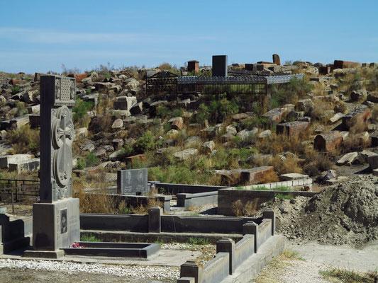 Historischer armenischer Friedhof bei der Klosteranlage Chor Virap