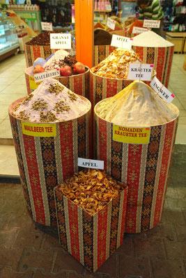 Tee im Basar von Antalya