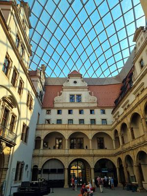Residenzschloss Dresden, überdachter kleiner Schlosshof