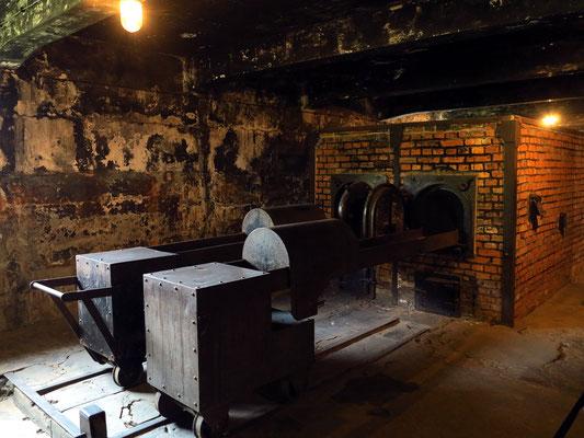 Zwei Verbrennungsöfen im Krematorium (Rekonstruktion)