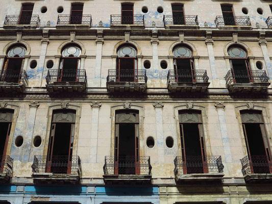 Restaurierung der Fassade des Hotel Regis