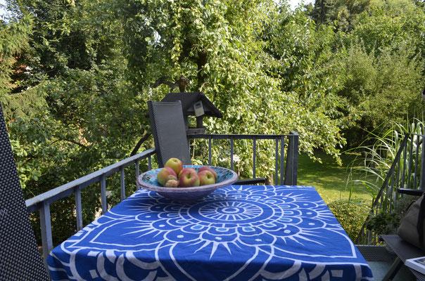 Mit rumbinden passen die Mandala Roundies auch auf kleine Tische