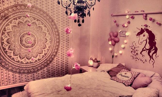 Mädchenzimmer Inspiration mit Ombre Mandala Wandtuch in weiß gold