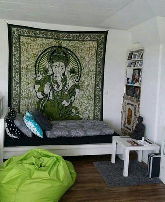 Behütet und schützt: Lord Ganesha als Wandtuch in grün