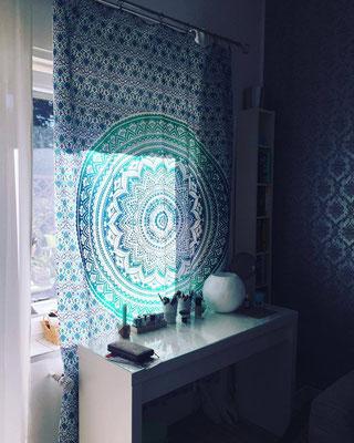 Ombrè Mandala Wandtuch in türkis als Vorhang
