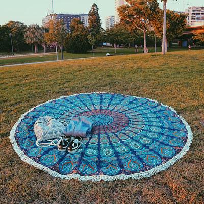 Mandala Tuch zum entspannen im Park