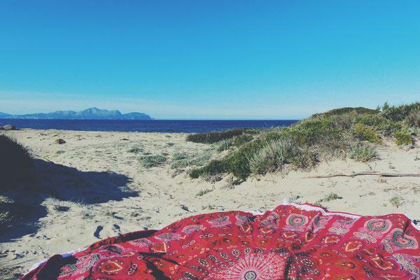 Mandala Strandtuch auf Reisen