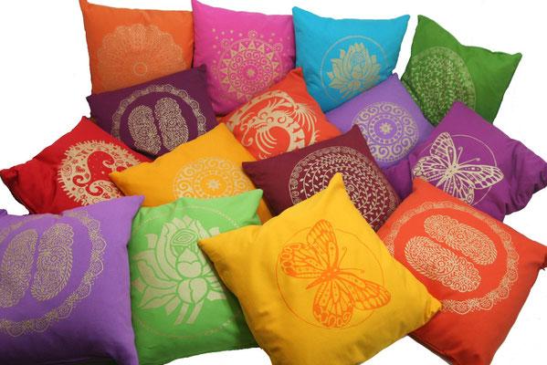 Designer Sofa-Kissen machen Spaß