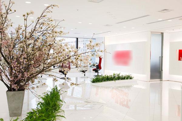 桜 季節の活け込み ロビー
