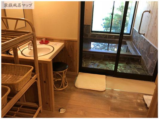 やまびこの湯洗面所部屋
