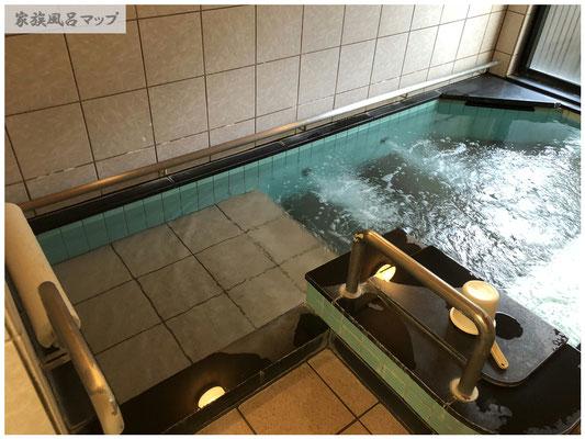 熊の川温泉 ちどりの湯浴槽