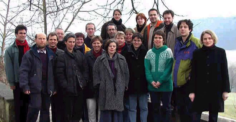 Chor im Jahr 2001 (Foto: Rolf Fries)