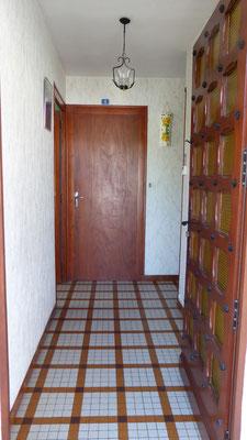 Couloir - Vue de la porte d'entrée