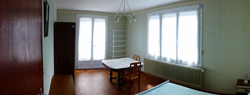 Chambre - Vue des deux fenêtres