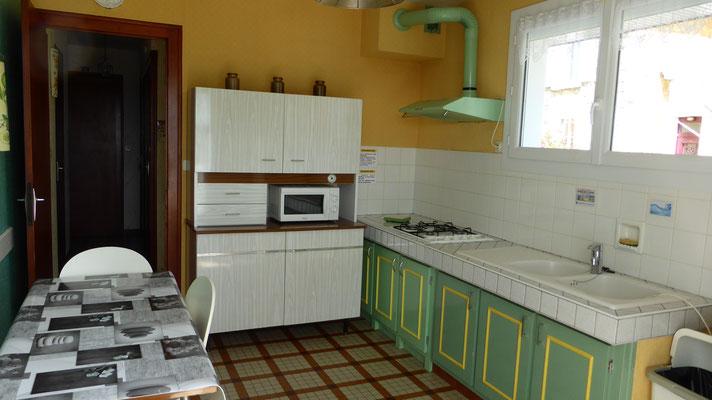 Cuisine - Plan de travail, évier et rangements