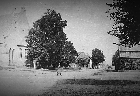 Die Kirchenkreuzung noch vor der Elektrifizierung im Jahre 1899