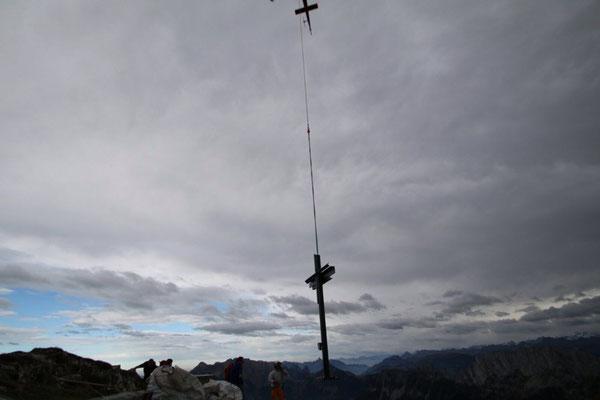 Helikoptertransport Gipfelkreuz