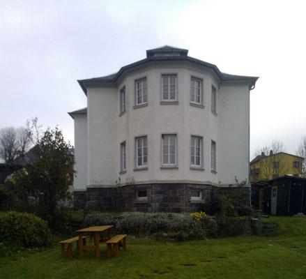 Ferienhaus XXL Deutschland - Blick vom unteren Garten 2