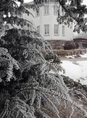 Ferienhaus XXL Deutschland - Blick vom unteren Garten 3 (Winter)