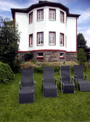 Ferienhaus XXL Deutschland - Blick vom unteren Garten 2 (aktuell)
