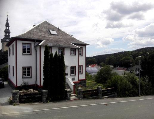 Ferienhaus XXL Deutschland - Blick von der Straße 1 (aktuell)