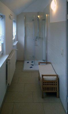 3. Bad im OG (Duschbereich)