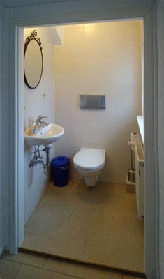 3. Bad im OG (Toilettenbereich)