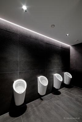 20  Sanitärbereich - Black&White