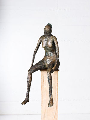 """""""Sitzende"""" Bronze/Unikat"""