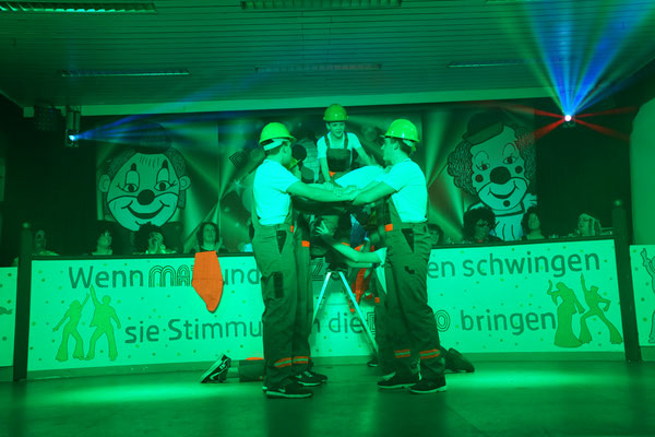 "Showtanz ""Bauarbeiter"" - Dancing Boys"
