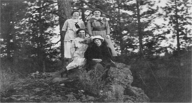 Bessie Sheridan, Mary Kerr-Jacobson, Ethel Fanton, Violet Johnson Pipgras, circa 1917