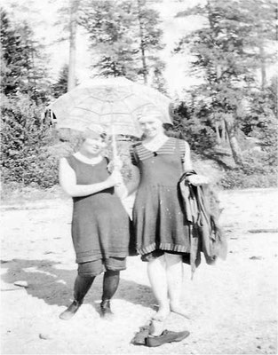 Clara Perkins and Violet Johnson Pipgras at Newman Lake – all wet after going for a swim