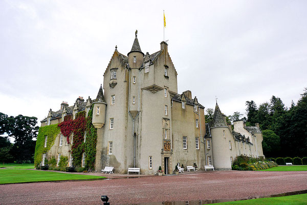 Ballindolloch Castle